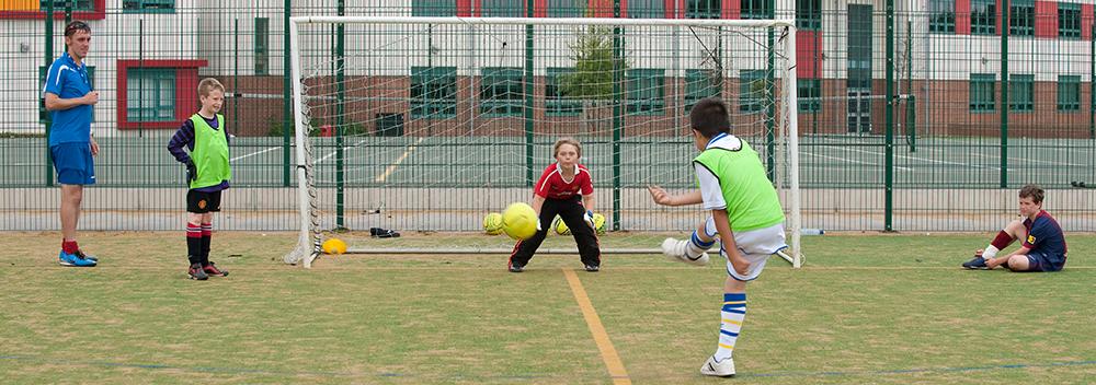 boy-football-goal