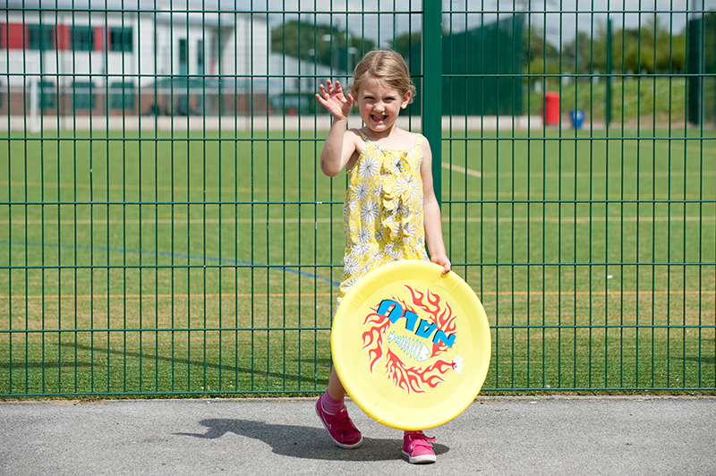 total-sport-girls-frisby